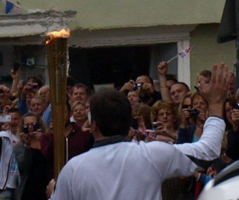 Olympic flame passing through Buckingham